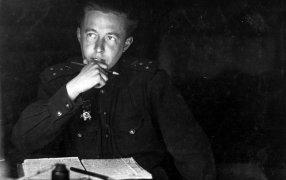 Фото: Капитан Александр Солженицын. 1944 год. Фото: Предоставлено 'Музей-квартира А.И.Солженицына'