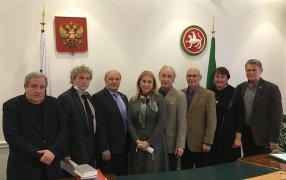 В центре - министр культуры Ирада Аюпова. Слева от нее - Николай Иванов, за ним - Игорь Шумейко.