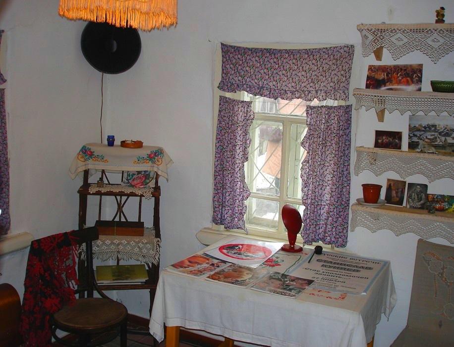 комната где работал Астафьев
