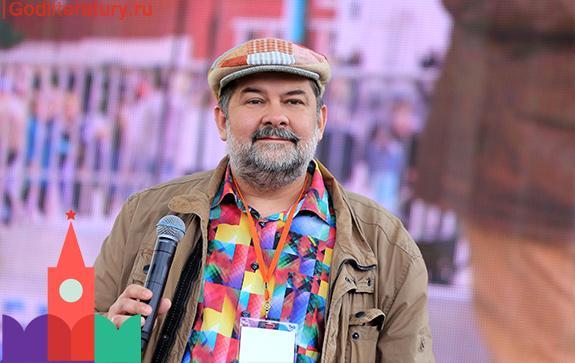 Сергей Лукьяненко на Красной площади