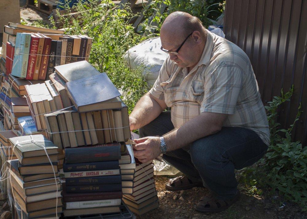 Иркутянин дает вторую жизни изданиям, выброшенным хозяевами