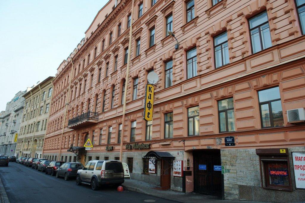 В этом здании по адресу: Большая Конюшенная 27, находился трактир Демута, где много раз жил Пушкин. Фото: Сергей Дмитриев