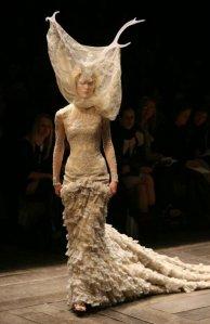 Платье из коллекции «Каллоденские вдовы», осень:зима 2006–7
