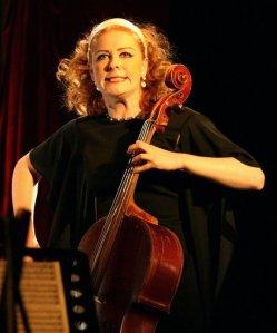 Сюзанн, виолончель