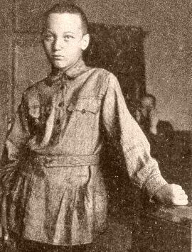 Николай-Гумилев в детстве