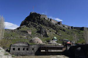 Крепость Карса до сих пор воспринимается как совершенно неприступная. Но русским войскам она покорилась. Фото: Сергей Дмитриев