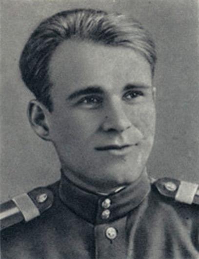 Вспомним имена четырёх авторов, которые прошли дорогами Великой Отечественной, остались в живых и рассказали нам свою правду о войне и мире