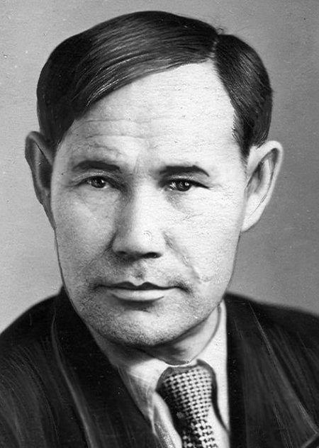 Марийские поэты искренне любили Ленина и посвящали ему лирические стихи