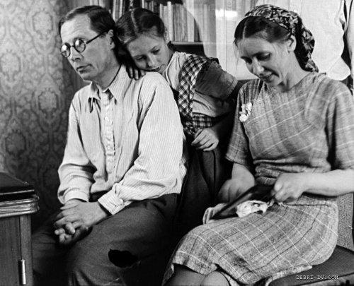 Н.Заболоцкий с женой и дочерью