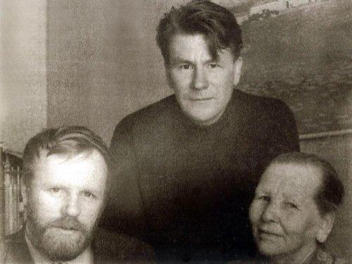 В.Белов, В. Потанин и Анфиса Ив. 197