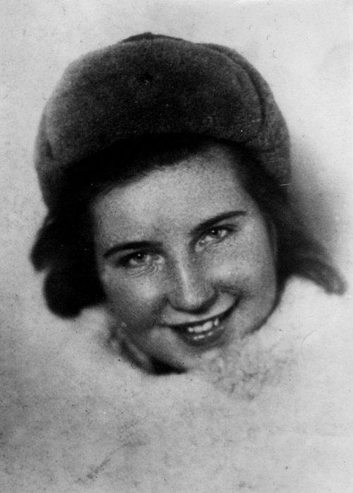 Люся Москвина_1943 Бессмертный полк Большая книга