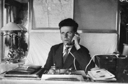 Как советские поэты во главе с Велимиром Хлебниковым сто лет назад покоряли Персию