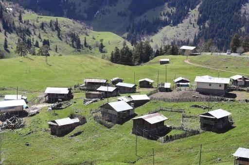 Современная турецкая деревня в горах. Фото: Сергей Дмитриев