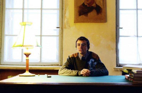 """Вадим Левенталь за своим рабочим столом.Фото из аккаунта """"Вконтакте"""""""