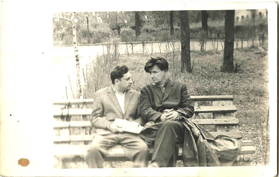 110 лет Юрий Домбровскому фото из архива РГАЛИ Ю.О.-Домбровский-(справа).
