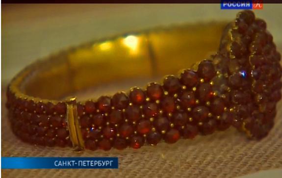 Гранатовый браслет, известный по повести Куприна, представлен в Петербурге