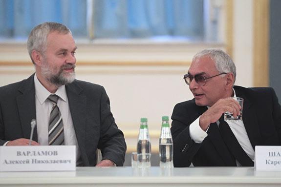 Писатель Алексей Варламов и режиссер Карен Шахназаров