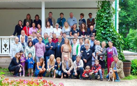 Большая семья в сборе. Раз в два года Толстые со всего мира съезжаются в Ясную Поляну