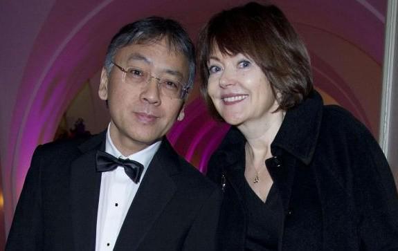 Кто такой Кадзуо-Исигуро-нобелевский-лауреат-по-литературе-2017_ с женой