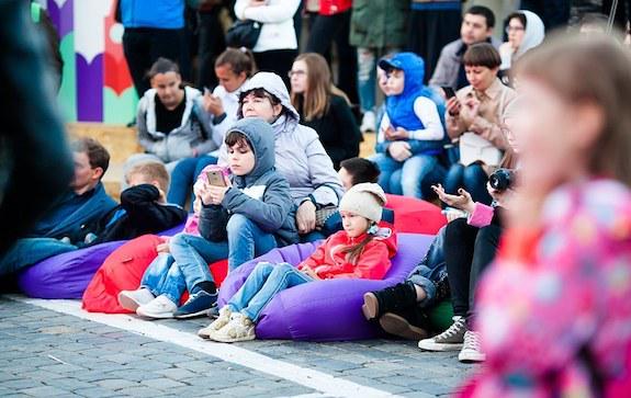детская сцена красной площади