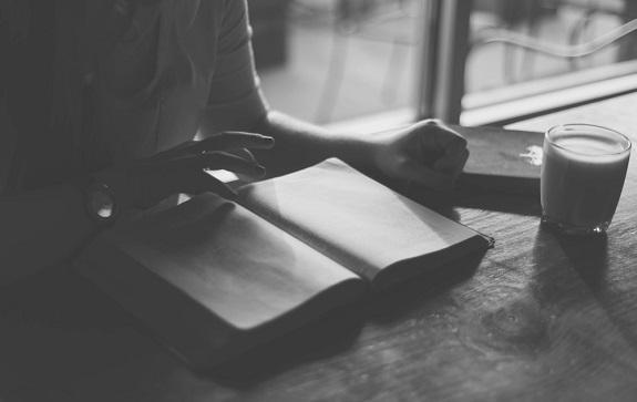 Пять поэтических интернет-публикаций июля 2019 года: выбор Галины Рымбу