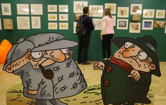 На выставке в Гослитмузее легко почувствовать себя в мире героев Успенского