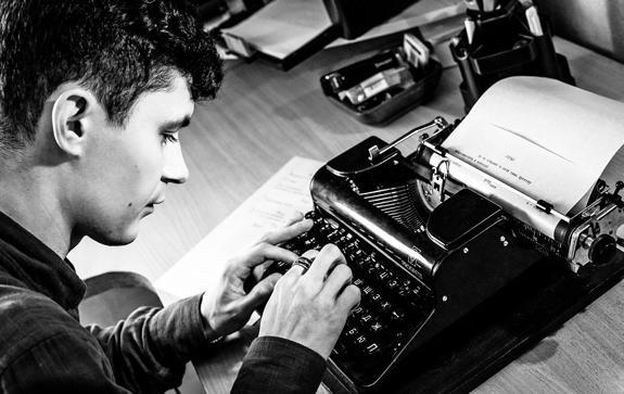 Интервью-с-куратором-поэтической-выставки