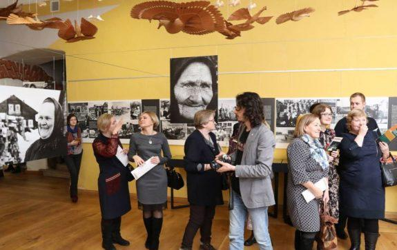 Масштабный выставочный проект к 100-летию писателя занял четыре зала в архангельских Гостиных дворах.