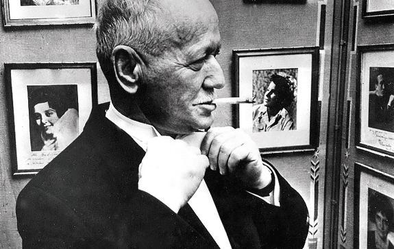 М.А.-Шолохов-в-Золотом-зале-Стокгольмской-ратуши-перед-началом-вручения-Нобелевской-премии.-1965-г