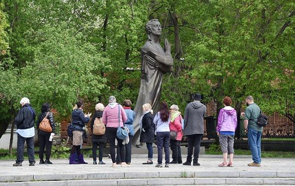 Интервью с доктором филологических наук Олегом Зыряновым — о том, почему именно Александр Пушкин стал для каждого русскоговорящего человека «нашим всем»