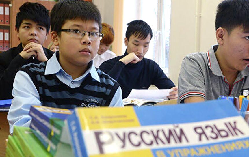 В Узбекистан прибыла очередная группа российских учителей / ria.ru