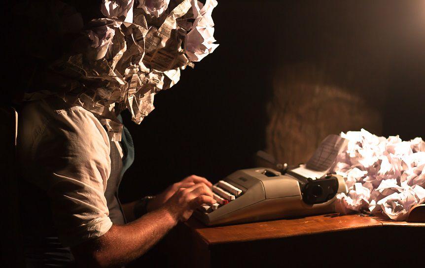 Фото: Drew Coffman / flickr.com; фото писателей с их личных страниц в facebook