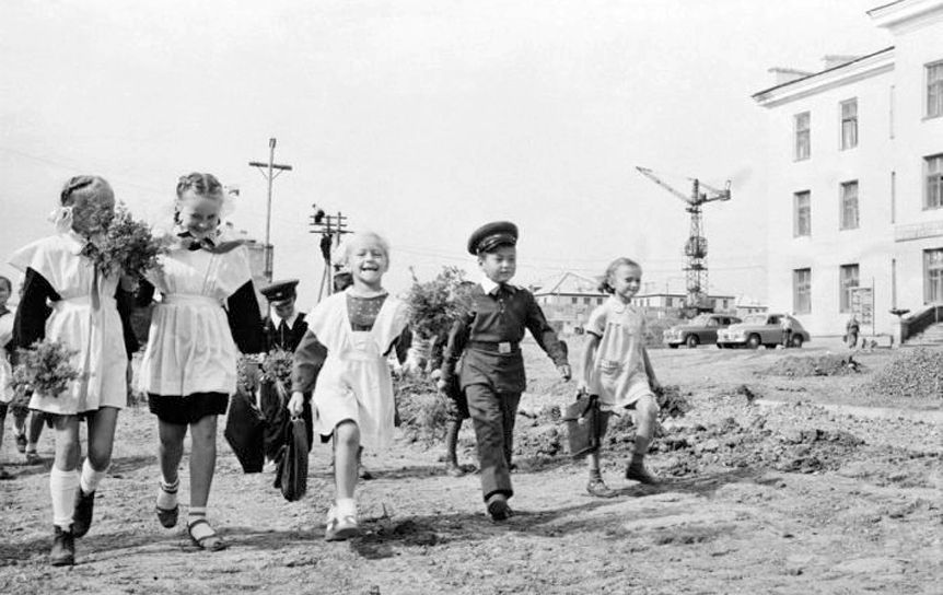 О чем писали диктанты в 1953 году / kulturologia.ru