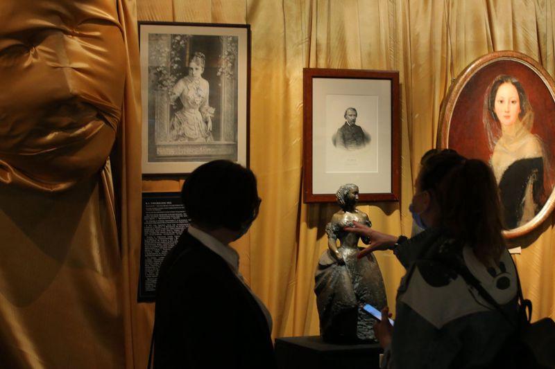 В Государственном музее А.С. Пушкина открылась выставка 'Поэты и музы' / Сергей Куксин/РГ