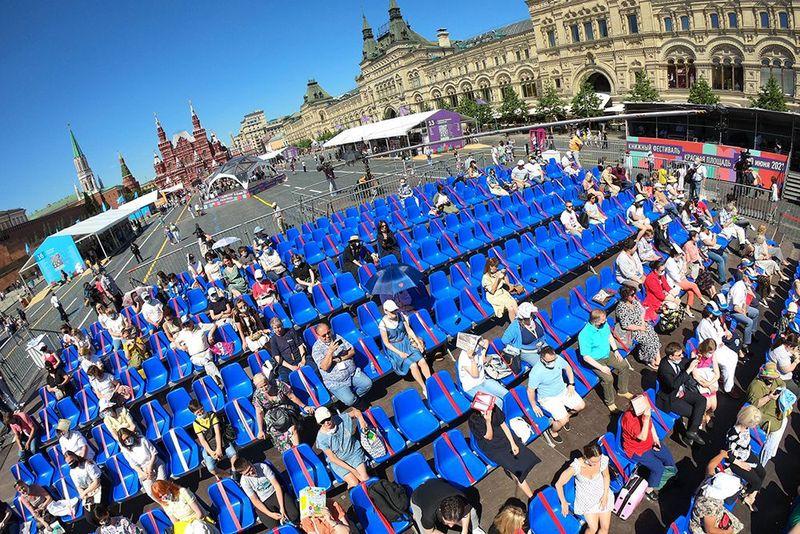 На главной сцене «Красной площади» обсудили  «Обитель» и русскую историю / Мергей Михеев