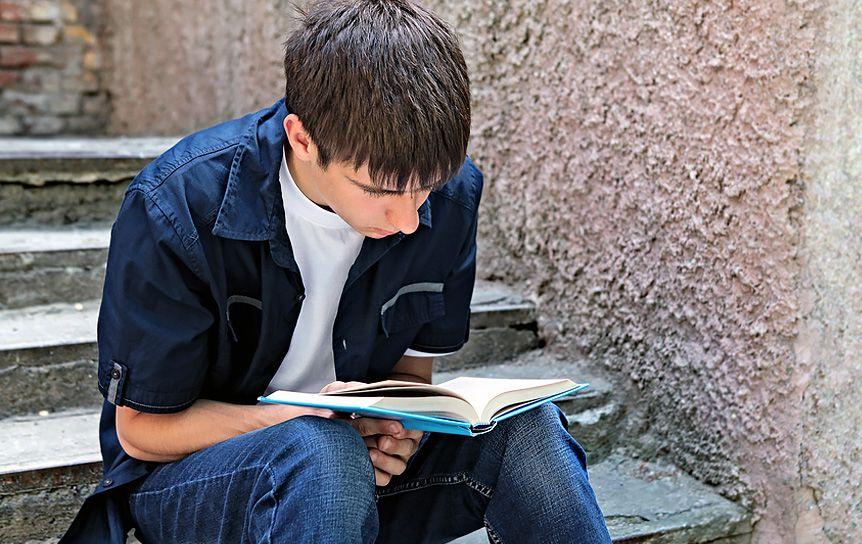 6 произведений для одиннадцатиклассников — по два на каждый летний месяц / thinkingreadingwritings.wordpress.c