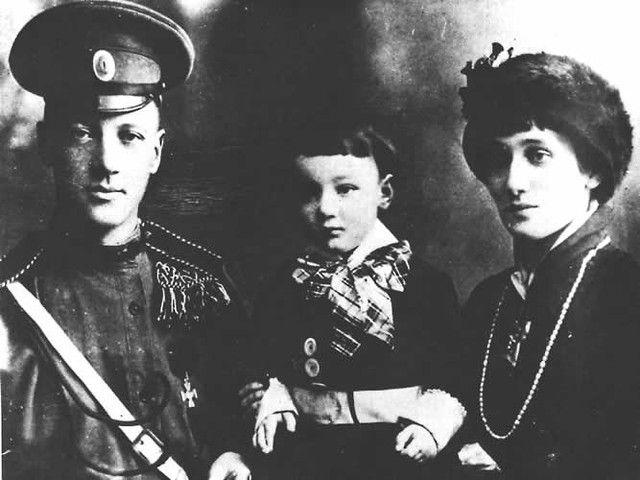 Николай Гумилев, Аннах Ахматова и их сын Лев Гумилев / Фото: Flickr