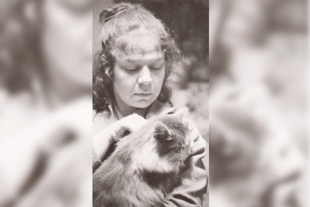 Новелла Матвеева с любимой кошкой. Фото: Из архива Павла Калугина